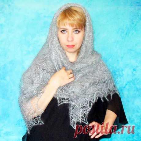 Платок Пуховый платок ручной работы светло серый,