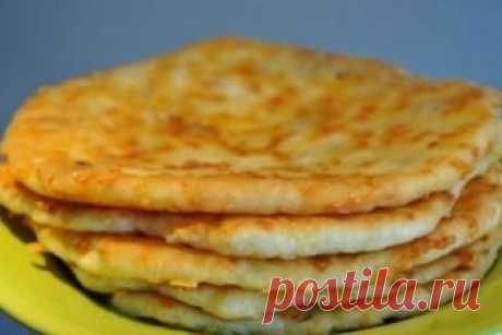 Бесподобные сырные лепешки на кефире в сковороде за 5 минут! Готовятся молниеносно! А как вкусно!