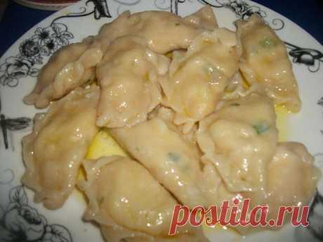 Вареники с картошкой на сметанном тесте с зеленью | Любимые рецепты