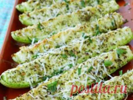 Самый любимый рецепт запеченных кабачков с сыром. Хрустящие и нежные кабачки, запеченные с сыром в духовке, — прекрасная закуска или гарнир. Для приготовления этого блюда лучше всего использовать молодые кабачки или цукини. Травы и специи можно использовать …