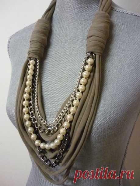 Ожерелье из шарфов и косынок: модно и стильно