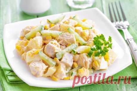 Салат с ананасами, курицей и огурцами