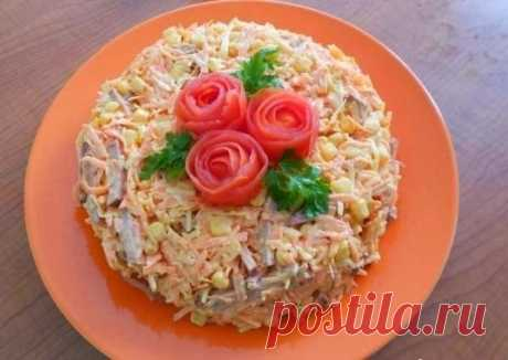 Как приготовить вкусный салат с копченной колбасой - рецепт, ингредиенты и фотографии