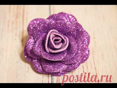 Розы из фоамирана своими руками легко и быстро / Rose in gomma crepla В данном видео хочу вам показать как легко можно сделать красивую розу из глиттерного фоамирана.  In questo video, voglio mostrarvi quanto sia facile fare una bella rosa dal gomma crepla.