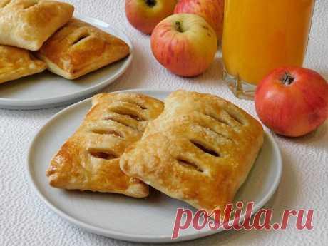 Слойка с яблоками из слоеного теста рецепт с фото пошагово - 1000.menu