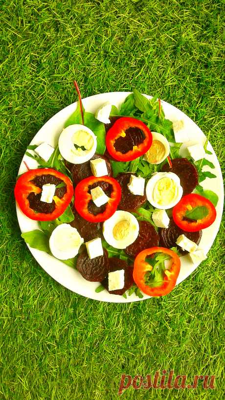 Свекольный салат с мангольдом и творожным сыром - InVkus