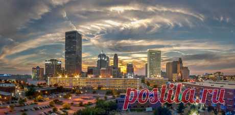 Оклахо́ма-Си́ти — крупнейший город и столица штата Оклахома