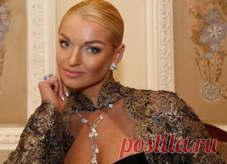 Анастасия Волочкова чуть не поплатилась жизнью из-за очередного шпагата
