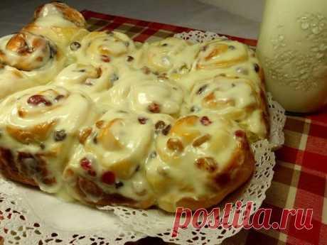Как приготовить булочки с изюмом со сливочной заливкой - рецепт, ингридиенты и фотографии
