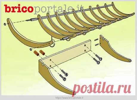 Настенная вешалка из деревянных плечиков для одежды | Идеи домашнего мастера