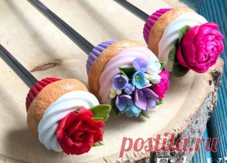 ВКУСНЫЕ ЛОЖКИ И КРУЖКИ в Instagram: «Девочки, кто писал пожелания по мастер-классу по цветам. Он уже есть!! Правда платный, цена вопроса 350₽. В нём я показываю лепку 6 цветов…»