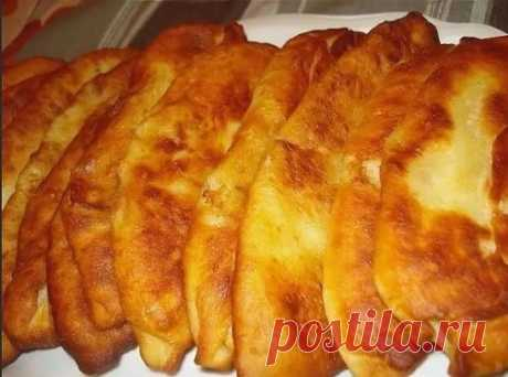 """Тонкие пирожки с картошкой """"Крестьянские"""" - Вкус.... Просто не передать словами! Самые простые крестьянские ингредиенты, но пирожки просто тают во рту! Настолько получаются тоненькие и мягкие."""