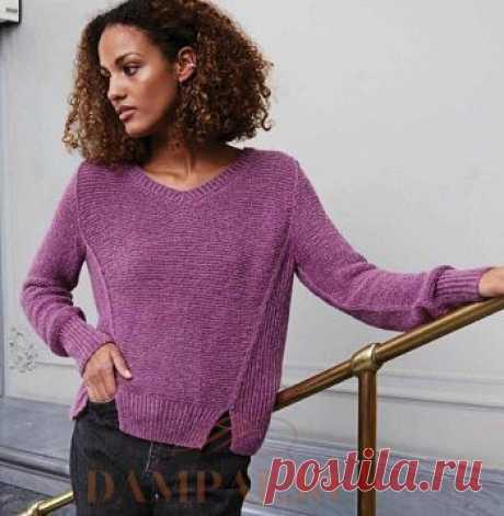 Женский пуловер с боковыми клиньями