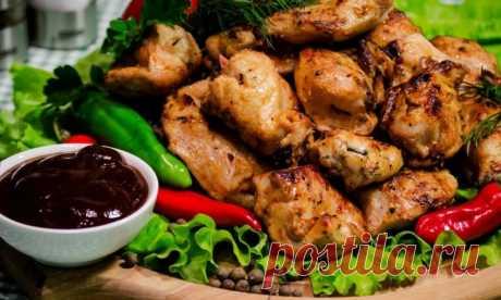 Шашлык из курицы + рецепты самого вкусного маринада, чтобы мясо было сочным и мягким Здравствуйте! На дворе весна, а может уже разгар лета или осень. Наверно это неважно, ведь в эти времена года все