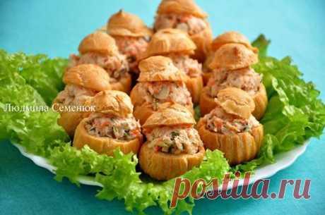 """Закусочные профитроли с рыбным салатом """"Раковые шейки""""(5) Рецепты от ХорошоГотовим.Ру"""