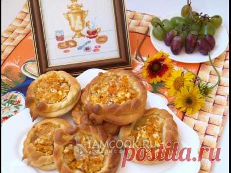 Ватрушки с творожной начинкой из тыквы и яблок — рецепт с фото