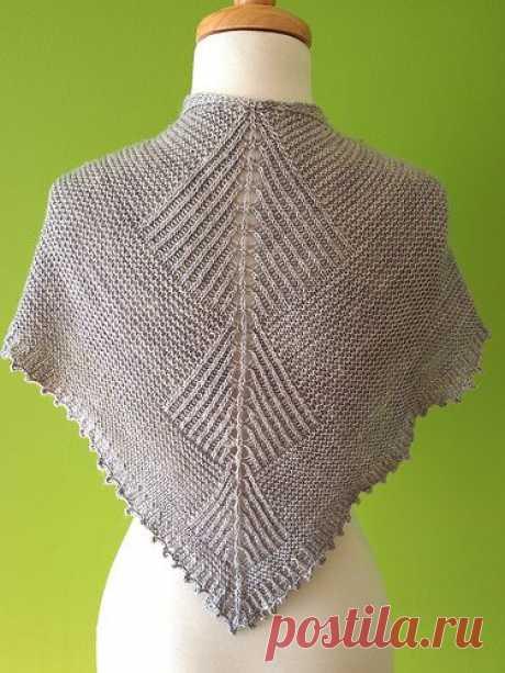 (38) Pinterest - Sharktooth shawl by Stephen West   Chaleco