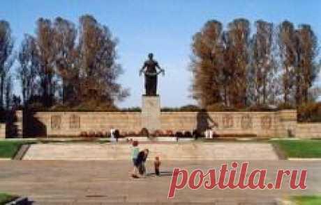 Сегодня 09 мая в 1960 году Состоялось торжественное открытие мемориала в память жертв блокады Ленинграда на Пискаревском мемориальном кладбище