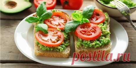 «Закуска-тост с авокадо и помидорами за 5 минут.» — карточка пользователя Наталья Р. в Яндекс.Коллекциях