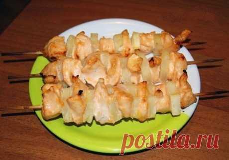 Куриные шашлычки с ананасами в духовке - рецепт и способ приготовления, ингридиенты | sloosh