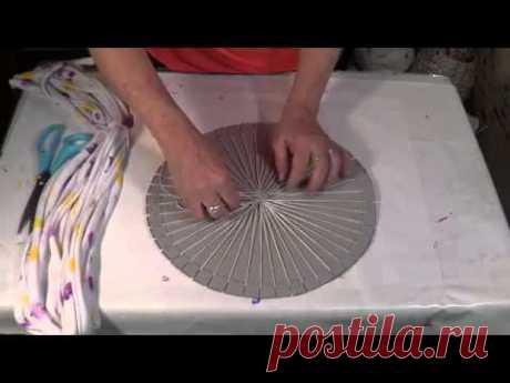 Создание коврика в технике ткачества из старого трикотажа.