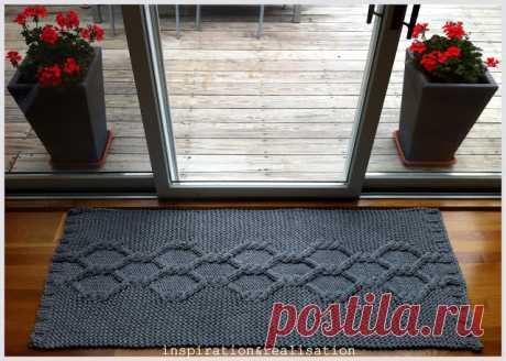 Шикарные вязаные коврики из трикотажной пряжи от Donatella. Как сделать гигантские спицы