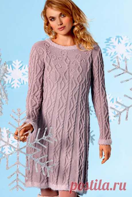 Теплое платье с рельефным узором