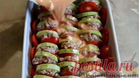 Кабачки, запеченные в духовке, с фаршем и рисом