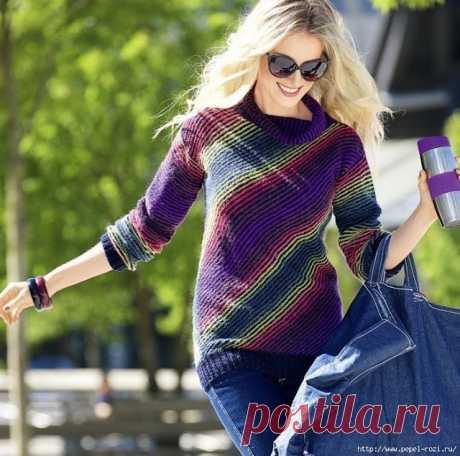 Красивый, стильный, диагональный пуловер спицами