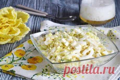 Салат с кальмарами и яйцом - 12 самых вкусных рецептов