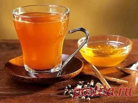 Этот удивительный чай лечит более 50 болезней, он способен убивать паразитов и очищает организм от шлаков!  Комбинация из 5 ингредиентов может спасти вашу жизнь. Эти 5 ингредиентов могут помочь предотвратить многие заболевания, такие как слабоумие, инфекции, рак и многое другое. Вот эти 5 ингредиентов чая:   1. Куркума  Лечебные свойства куркумы довольно популярны в настоящее время. Соединение куркумин уменьшает воспаления, борется с раком и способствует здоровью сердца.  ...