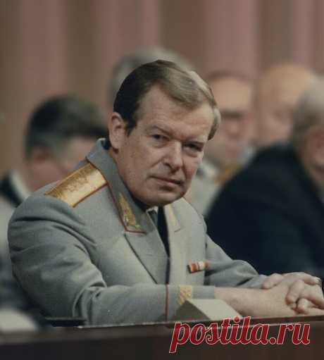 Уничтожить СССР: союз Горбачева и западных спецслужб | КЛЕВЕР КЛИО | Яндекс Дзен