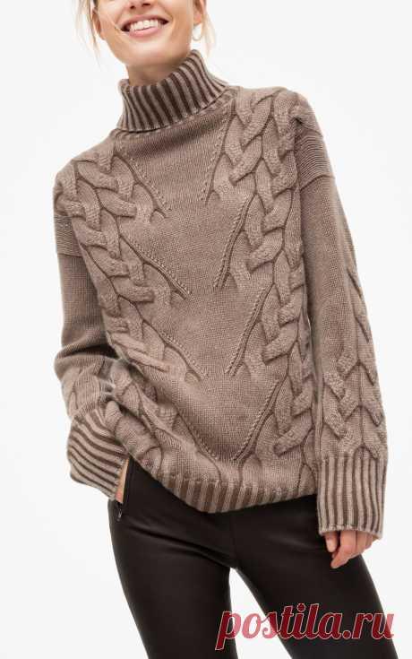Вязаный женский джемпер спицами с диагональными косами, схема узора