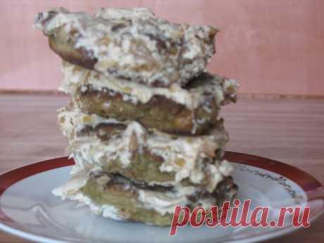Печеночные котлетки «Варшавские».  Нам потребуется: свиная или говяжья печень - 750 г сырое свиное сало 250 г 1-1,5 головки(!) чеснока Показать полностью…