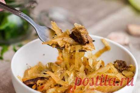 Как тушить капусту, чтобы не воняла: 10 лайфхаков