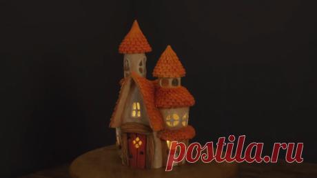 Необычный бюджетный декор Необычный бюджетный декорШикарный глиняный домик со стеклянными окнами — самодостаточный интерьерный декор. Изящный и стильный он может выступать в качестве ночника. Есть в нем и дополнительная изюмин...