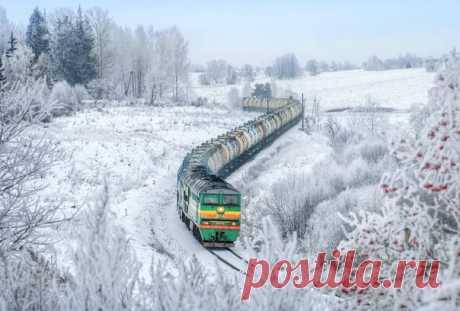 Внезапная зима заставляет думать о путешествиях в теплых вагонах поездов с горячей кружкой чая.