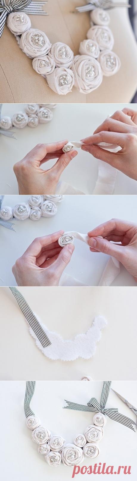 Ожерелье из роз