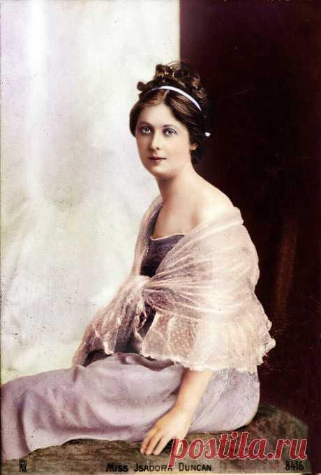 Ожившие в цвете: 22 колоризированные фотографии знаменитых личностей
