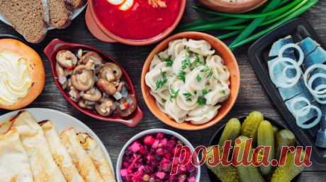 Russian cuisine Russian cuisine is very many-sided and various. It developed throughout many centuries, were enriched due to loans from culinary traditions of other people. It is interesting that dishes and recipes strongly differ depending on the concrete region:
