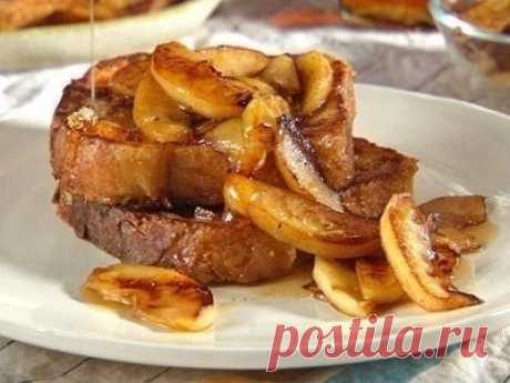 The French toasts with apples