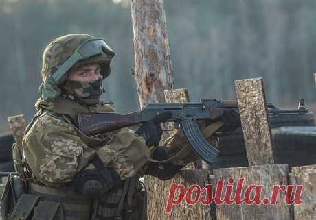 Самые странные «энергетики» российских спецназовцев Спецназ постоянно пребывает в состоянии боевой готовности, поэтому личный состав всегда находится в части. Быт тут подчинен строгому распорядку, а боевая подготовка проходит постоянно. Питание организовано более избирательно, нежели в обычной солдатской части.