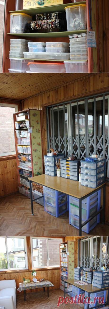 Организация рабочего пространства: удобный стеллаж своими руками. Изготовление + декупаж