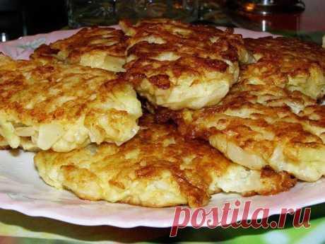 Cabbage fritters on kefir \u000d\u000a\u000d\u000a\u000d\u000a\u000d\u000aINGREDIENTS\u000d\u000a300-400 gr kapusty200 ml kefira1 yaytso1 lukovitsa3-5 tablespoons mukimaslo rastitelnoye1\/3 a teaspoon razrykhlitelyasol to taste\u000d\u000a1 Cabbage to chop WAY PRIGOTOVLENIYASHAG as mo …