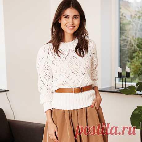 Нежный ажурный свитер спицами крупной вязки - Портал рукоделия и моды