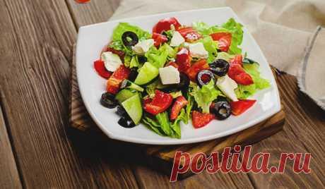 Греческий салат. Классический рецепт простого и вкусного салата с брынзой - Женская страница