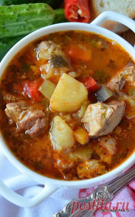 Добавить рецепт в избранное!Самый популярный в мире густой суп — это венгерский гуляш. В самой Венгрии существует много вариантов приготовления гуляша, но везде основными компонентами этого вкуснейшего супа являются мясо, …
