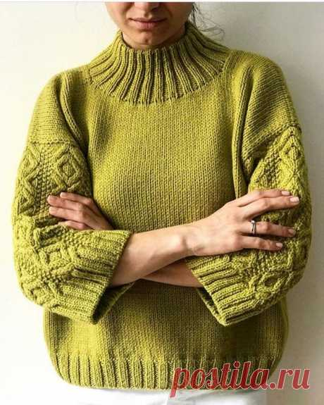 Свитер рельефным узором на рукавах — Вязание & Декор