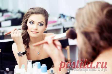 22 секрета красоты и полезные лайфхаки по макияжу, о которых должна знать каждая девушка Каждая девушка стремится всегда хорошо выглядеть, но отсутствие времени, навыков в нанесении косметики и незнание многих бьюти-секретов способны расстроить любую красавицу.Мы приготовили для вас 23 х...