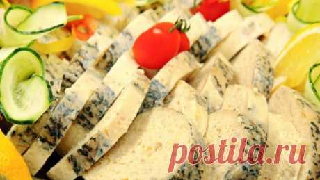 Щука фаршированная по-еврейски - рецепт Щука фаршированная по-еврейски рецепт – самый популярный и распространённый шедевр кулинарного мастерства этой нации, который передаётся из поколения в поколение.